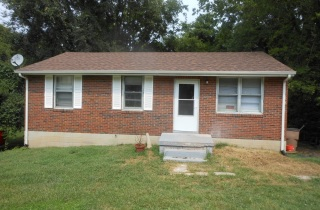 3202 Curtis St front